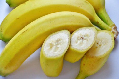 バナナを冷凍して凍るまでの時間は レシピ またいつまで保存できる?