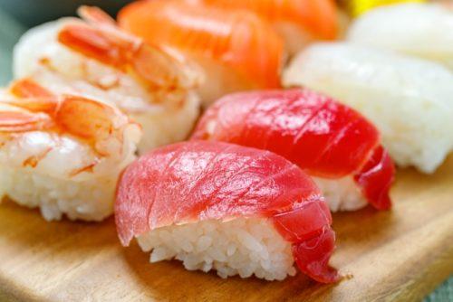 がんこ寿司難波(なんば)本店は 大阪の人気寿司店 がんこ寿司ははじめて時価を廃止した お寿司屋さん オススメメニュー 小鉢(こばち)が美味しい たこの煮込みが絶品 豆腐料理は、はずれなしのおいしさ