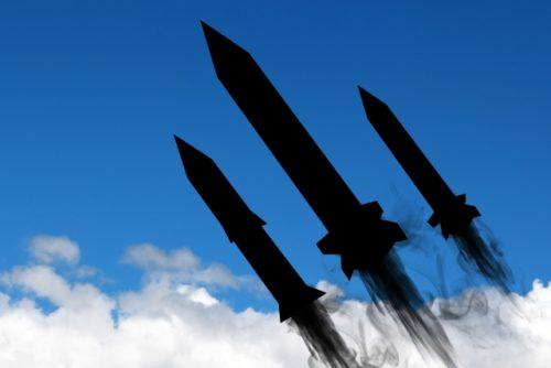 北朝鮮が飛翔体を2回発射した!弾道ミサイルともいわれている